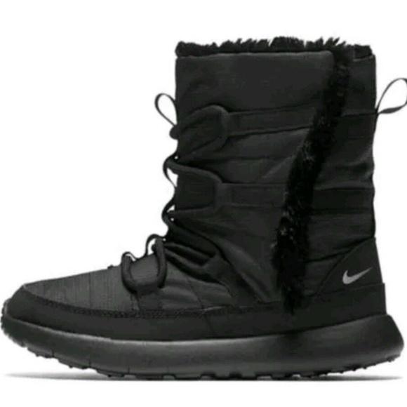 more photos 97fc8 4d3e7 B57 NIKE ROSHE ONE HI PRINT boots for girls Sz 3
